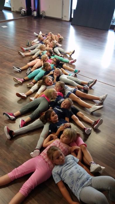 Dance connextion kids teens in balance essen ruhr for Namensspiele